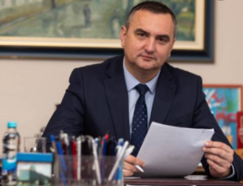 GRADONAČELNIK POKLONIO 10.000 ZAŠTITNIH MASKI